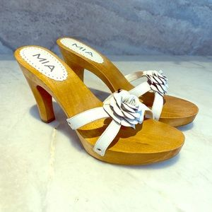 Mia wood shoe slip on leather upper sole size 10